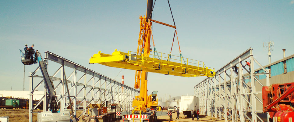 Overhead Crane Nisku : Around the corner building